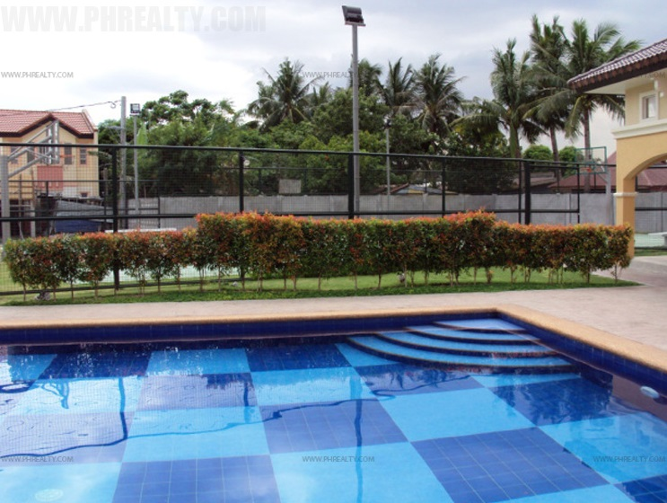 Cerritos Residences - Swimming Pool