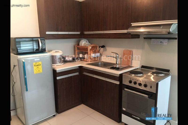 Eton Residences Greenbelt  - Kitchen