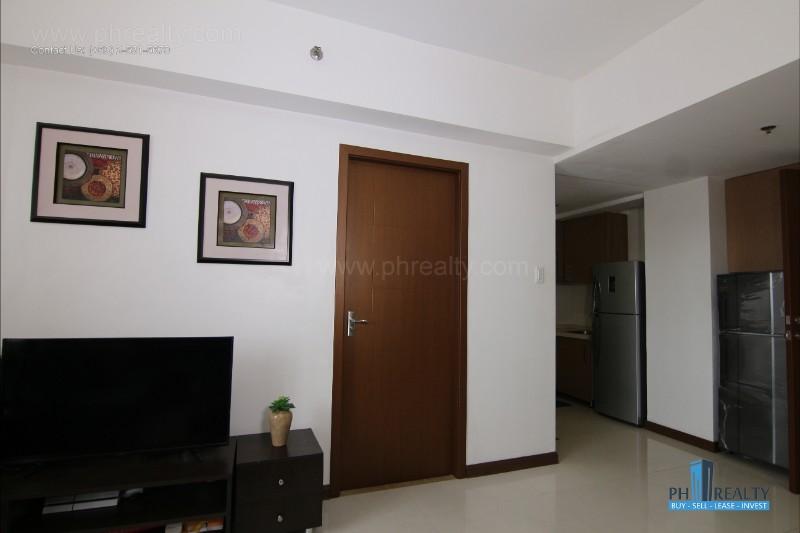 Sunshine 100 City Plaza Pioneer - Living Room