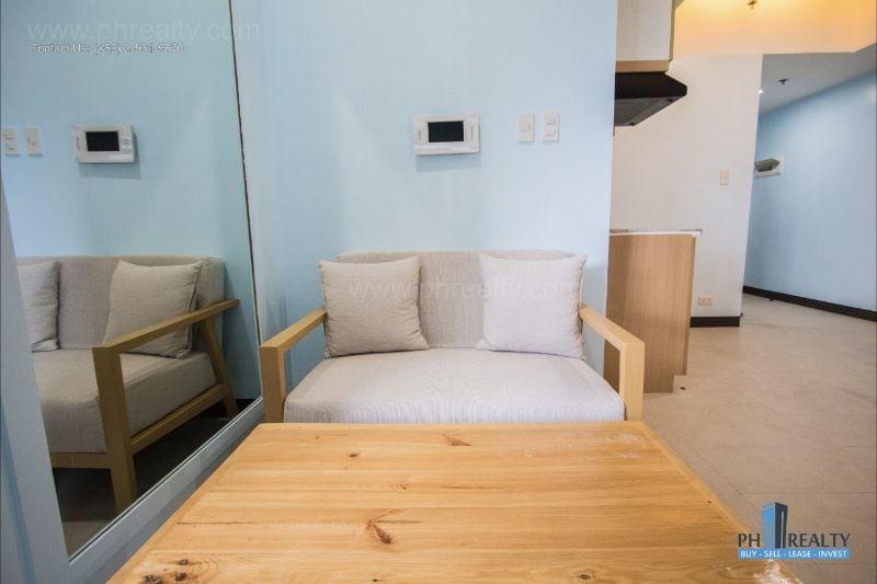 BSA Twin Towers - Living Room