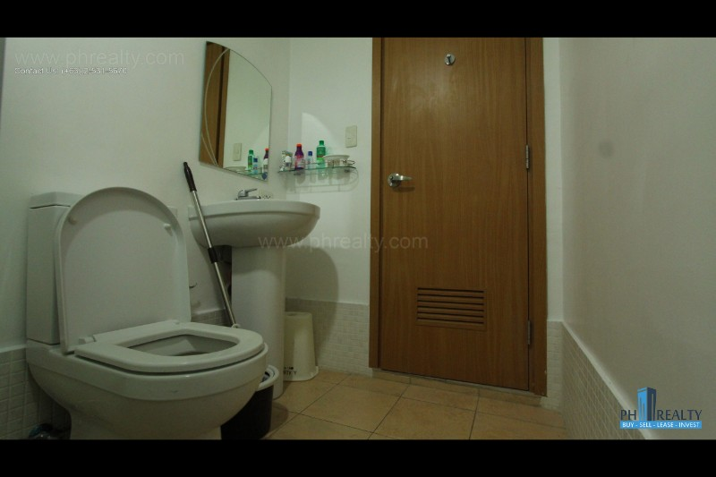 Aspire Tower - Bathroom