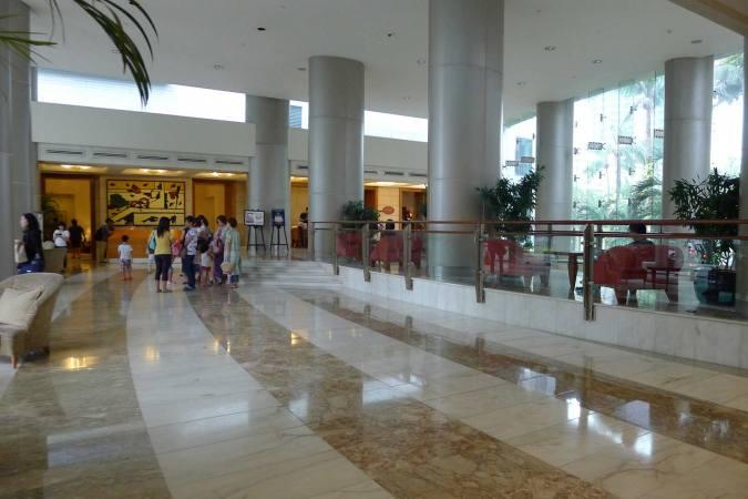 Amorsolo Square Makati - Lobby Area
