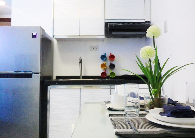 588 Residences - Kitchen