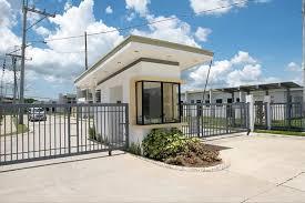 Bellavita Pililia - Main Entrance Gate
