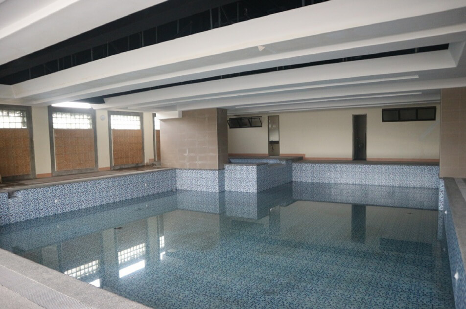 Grand Residences - Swimming Pool