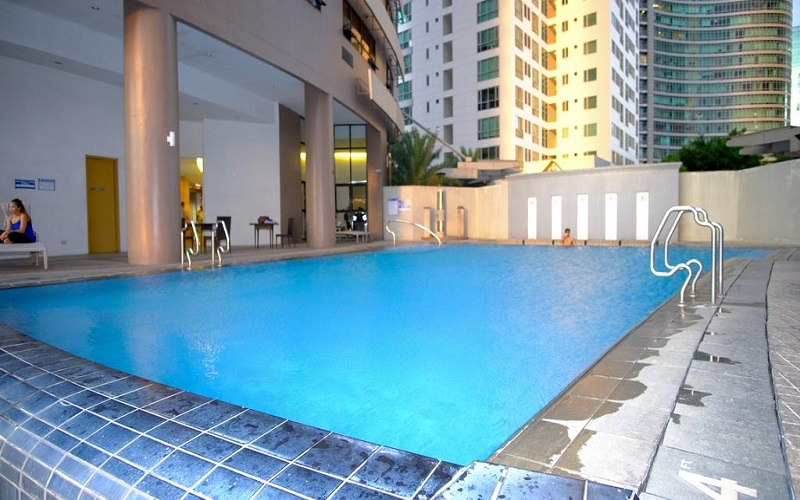 Icon Tower - Swimming Pool