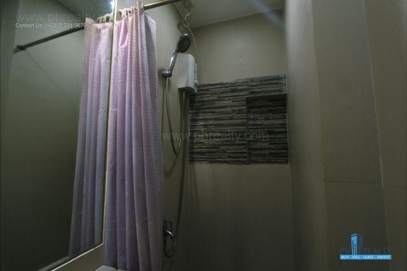 Bright City Center Condominium - Bathroom