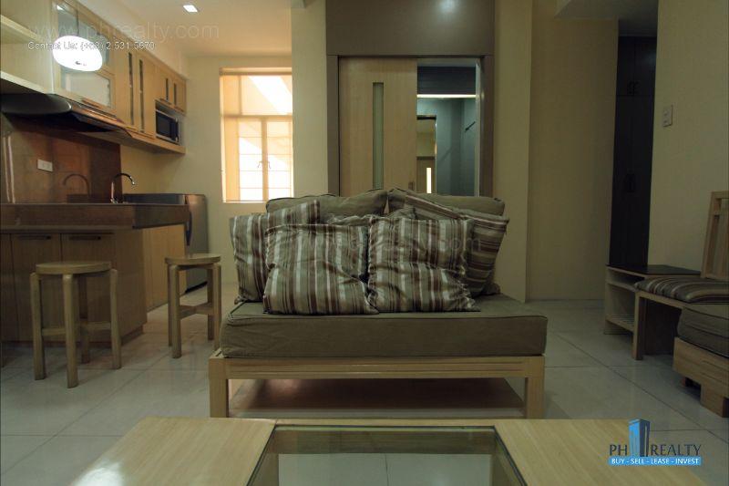 Bright City Center Condominium - Living Area