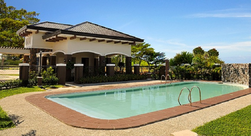 Brighton Baliwag - Clubhouse with Swimming Pool