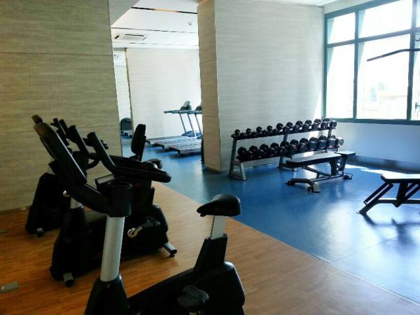 8 Forbestown Road - Fitness Gym