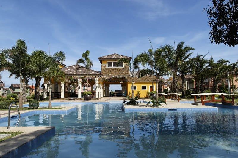 Ponticelli Subdivision - Swimming Pool