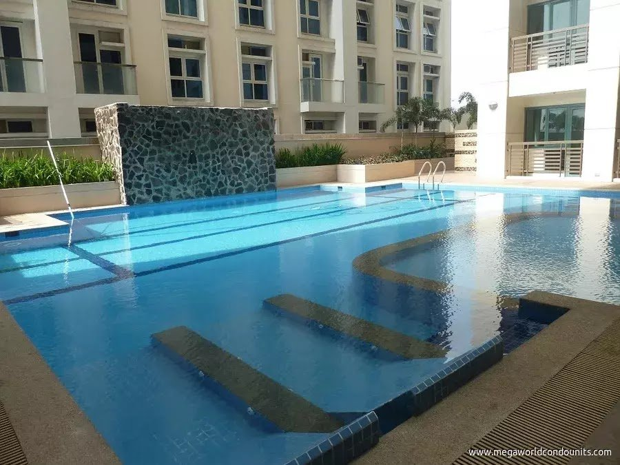 Eastwood Le Grand - Swimming Pool