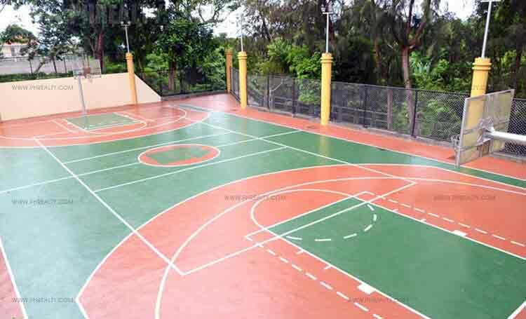 Metrogate Tagaytay Estates - Basketball Court