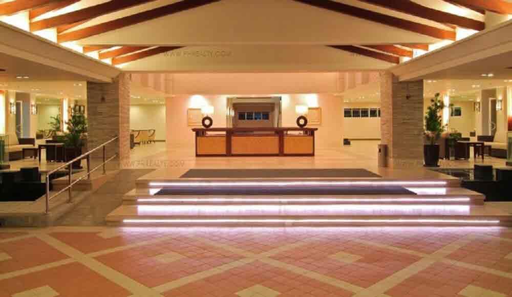 Field Residences - Lobby