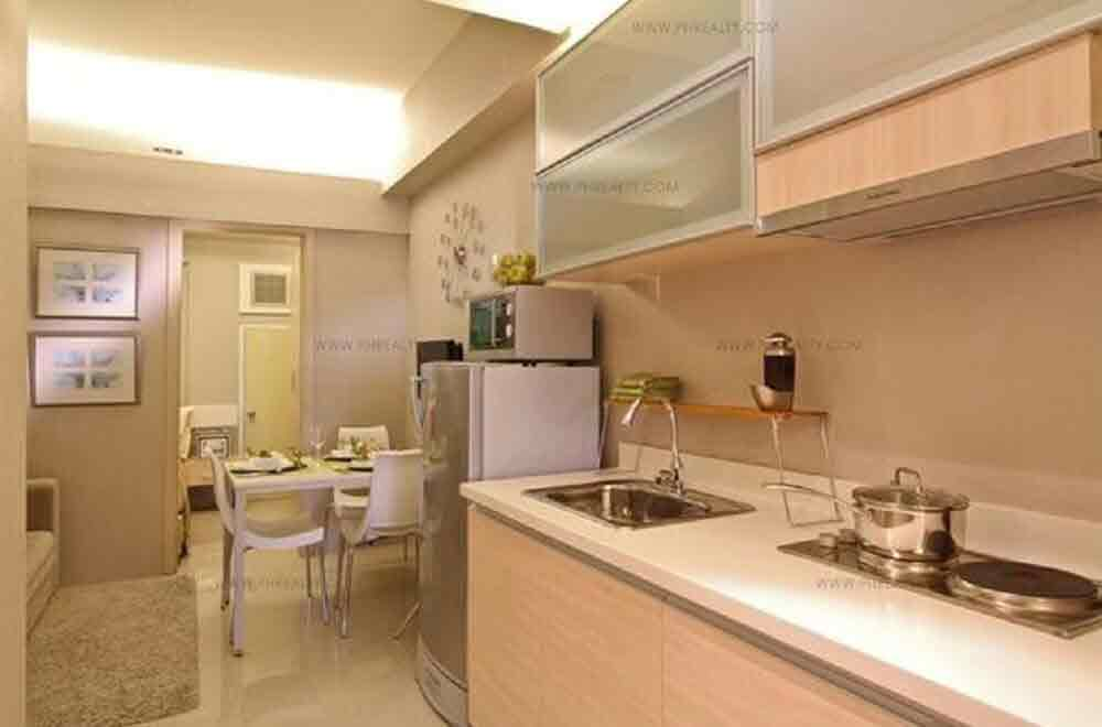 Field Residences - Dining and Kitchenette Area