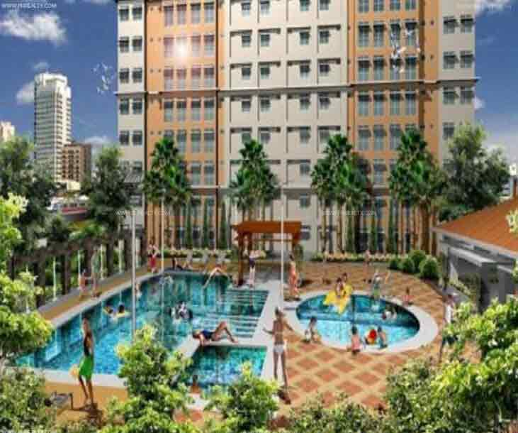 Pioneer Woodlands - Swimming Pool