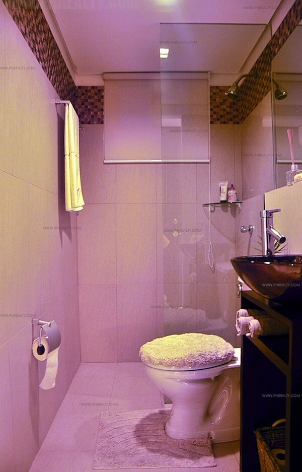 Arezzo Place - Bathroom