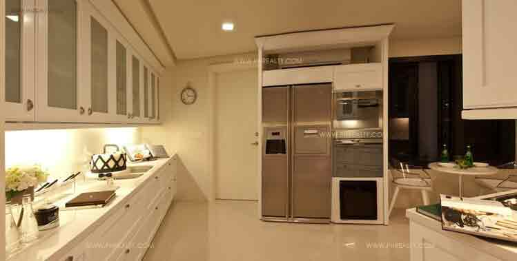 Arya Residences - Kitchen
