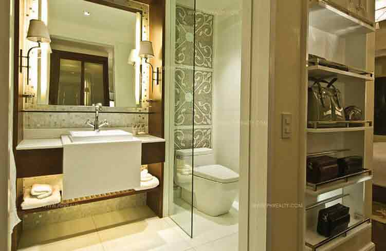 Arya Residences - Bathroom