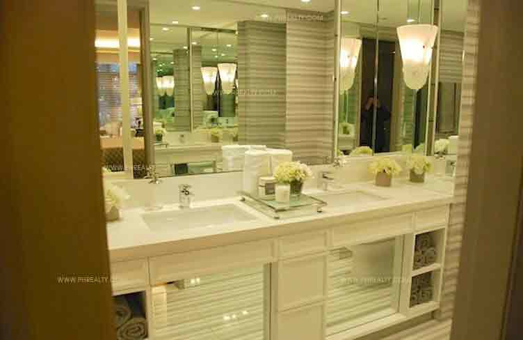 Arya Residences - Bathroom