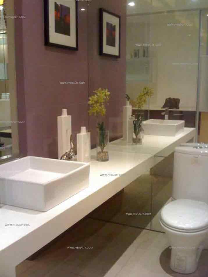 Valero Grand Suites - Bathroom