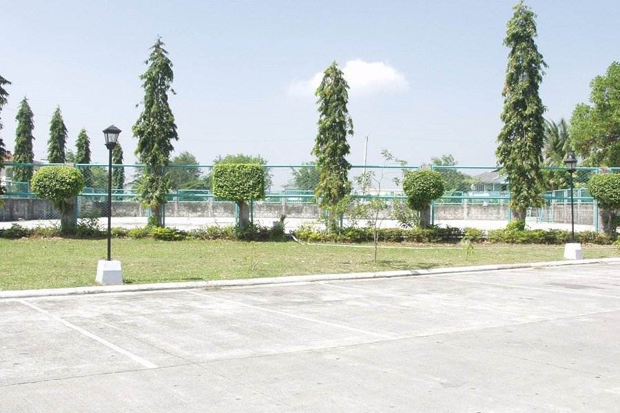 Northfields Executive Village - Tennis Court