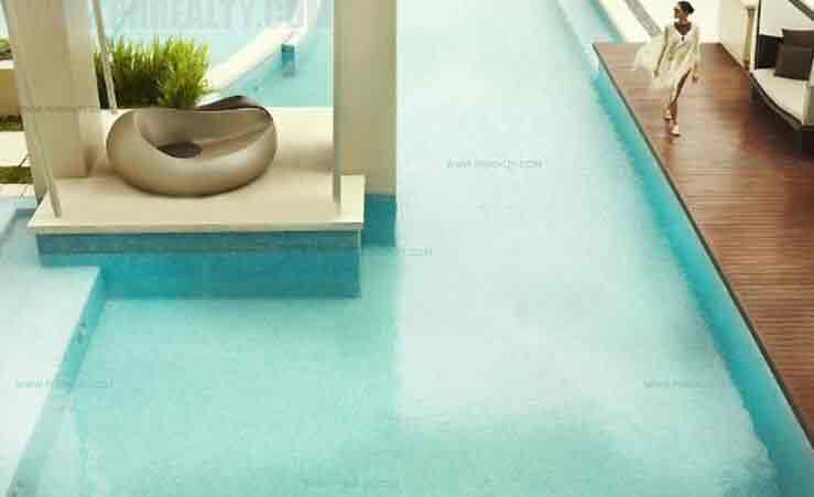 Raffles Residences - Swimming Pool