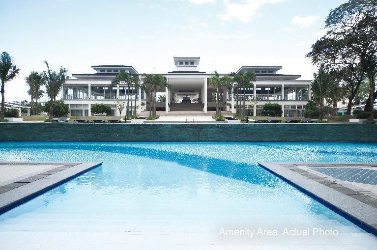 Grass Residences - Pool
