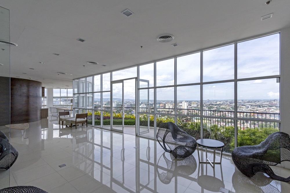 Calyx Residences - Sky Lounge