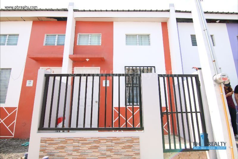 Pasinaya Homes - Townhouse