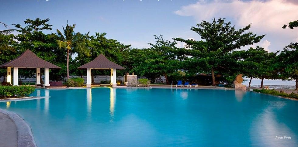 Playa Calatagan - Swimming Pool