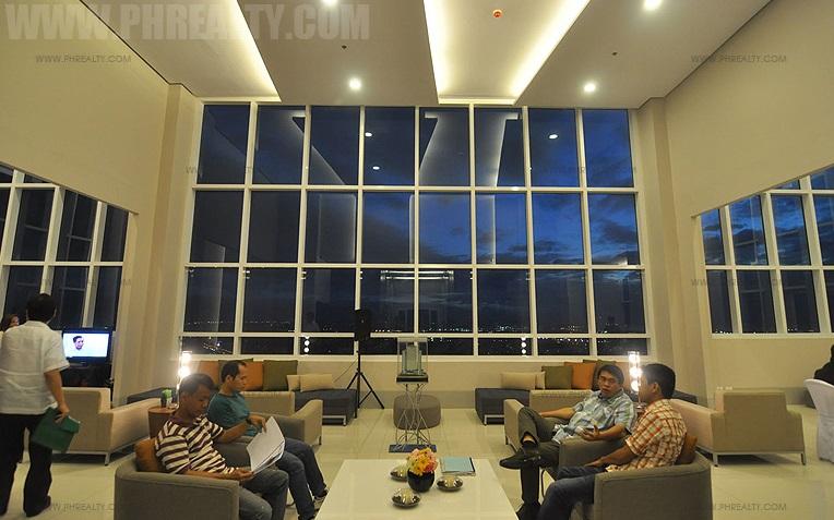 The Beacon - Sky Lounge