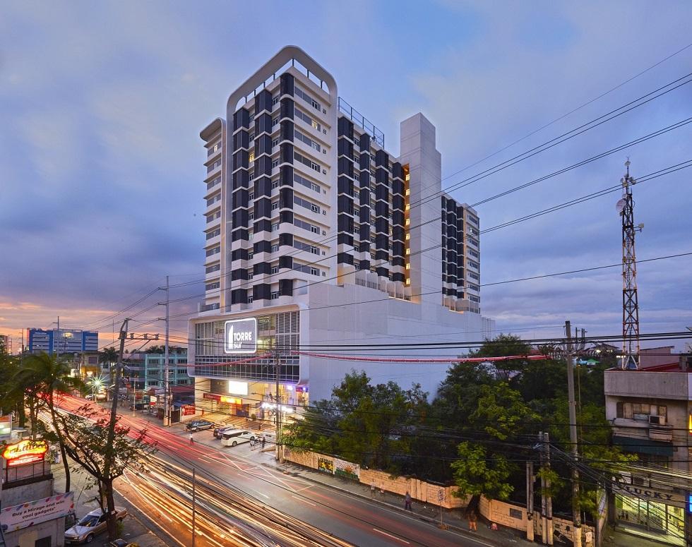 Torre Sur - Building Facade