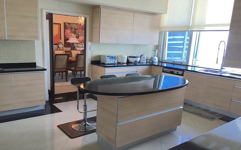 Pacific Plaza Condominium - Kitchen with Dinning Area