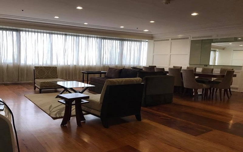 Pacific Plaza Condominium - Living & Dining Area