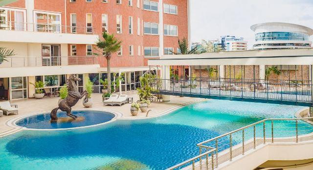 Movenpick Residences - Swimming Pool
