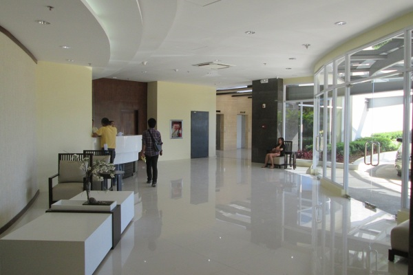 One Pavillion Place - Reception Lobby