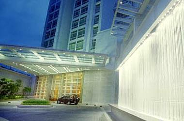 One Roxas Triangle - Main Entrance