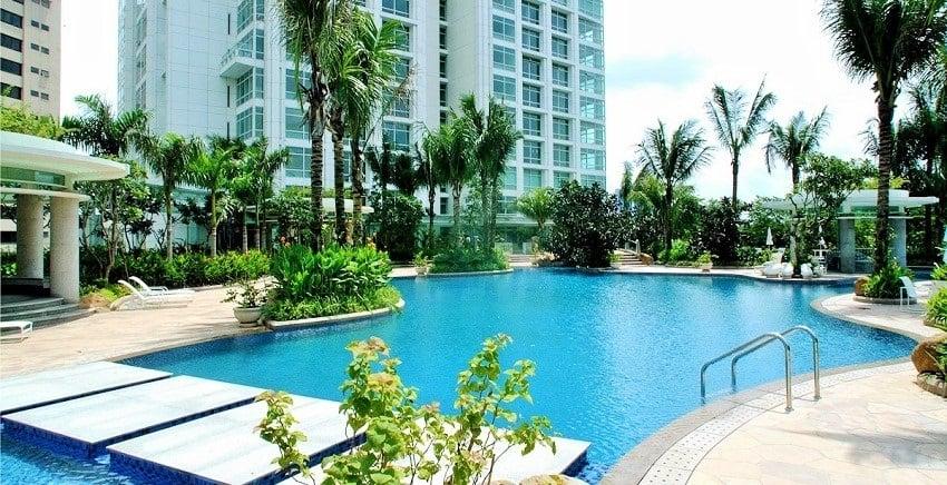 One Roxas Triangle - Swimming Pool