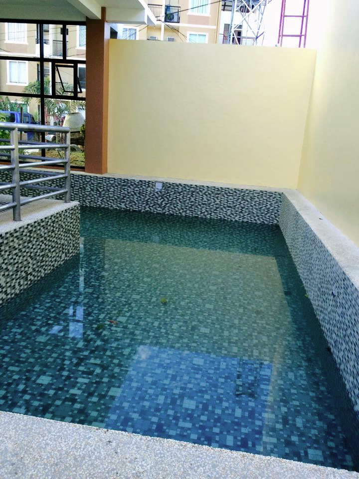 Hernan Cortes - Pool Area