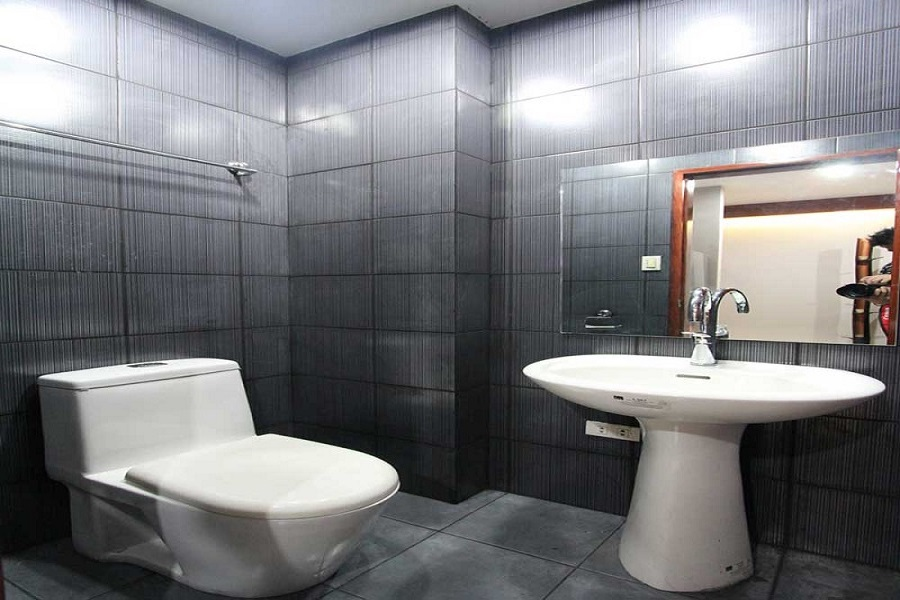 CitiLoft One Condominium - Bathroom & Toilet