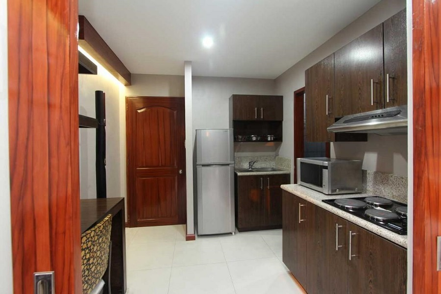 CitiLoft One Condominium - Kitchen