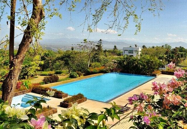 Ayala Greenfield Estates - Infinity Pool